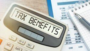 close-up-tax-benefits-word-calculator_192941-465-300x200